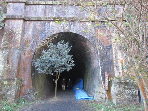 トンネル・6号出口県境.JPG