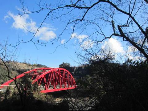 トンネル・6号出口赤い橋1.JPG