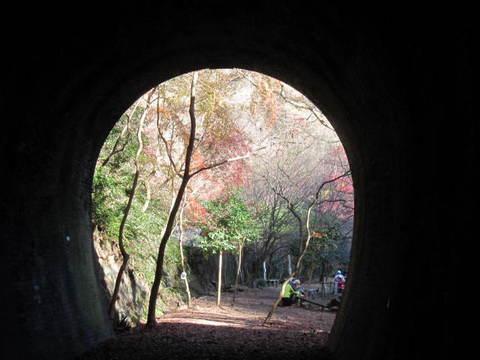 トンネル4号・出口1.JPG