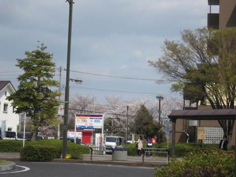 駅ローたりー.JPG