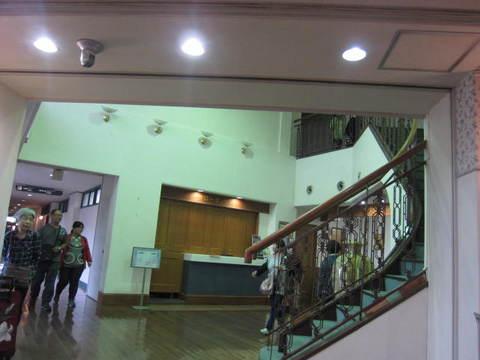 3-1・ホテルロビー.JPG