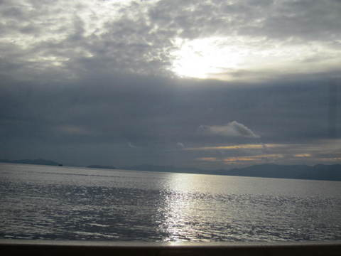5・クルーズ湖面1.JPG
